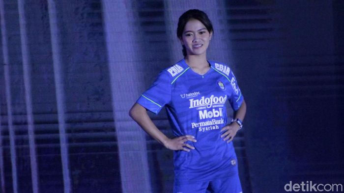Persib Bandung meluncurkan tim dan jersy untuk mengarungi Shopee Liga 1 2020. Jersey utama Persib masih dominan menggunakan warna biru.