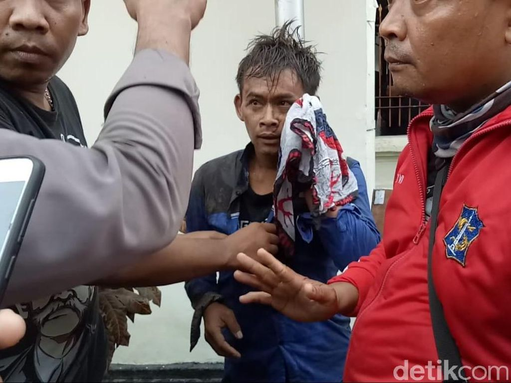 Seorang Pria Dikeroyok Massa PSHT yang Kawal Sidang Rekannya di PN Surabaya