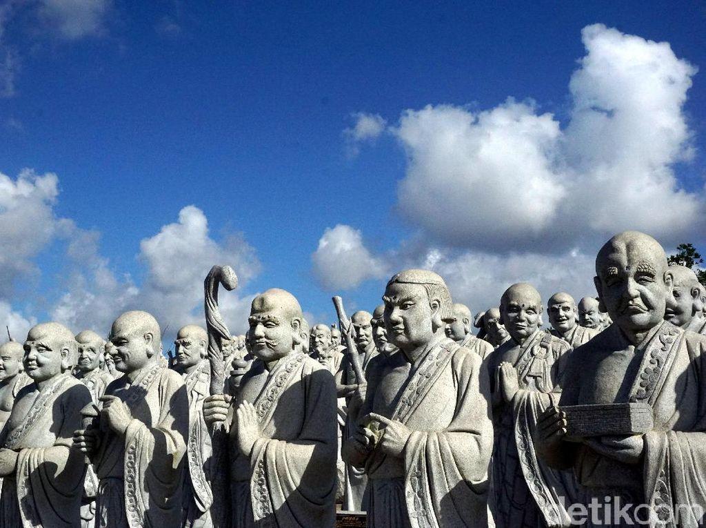 Foto: Vihara 1.000 Wajah yang Unik di Tanjungpinang