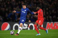 Bayern menguasai ball possesion, Chelsea bermain bola-bola panjang