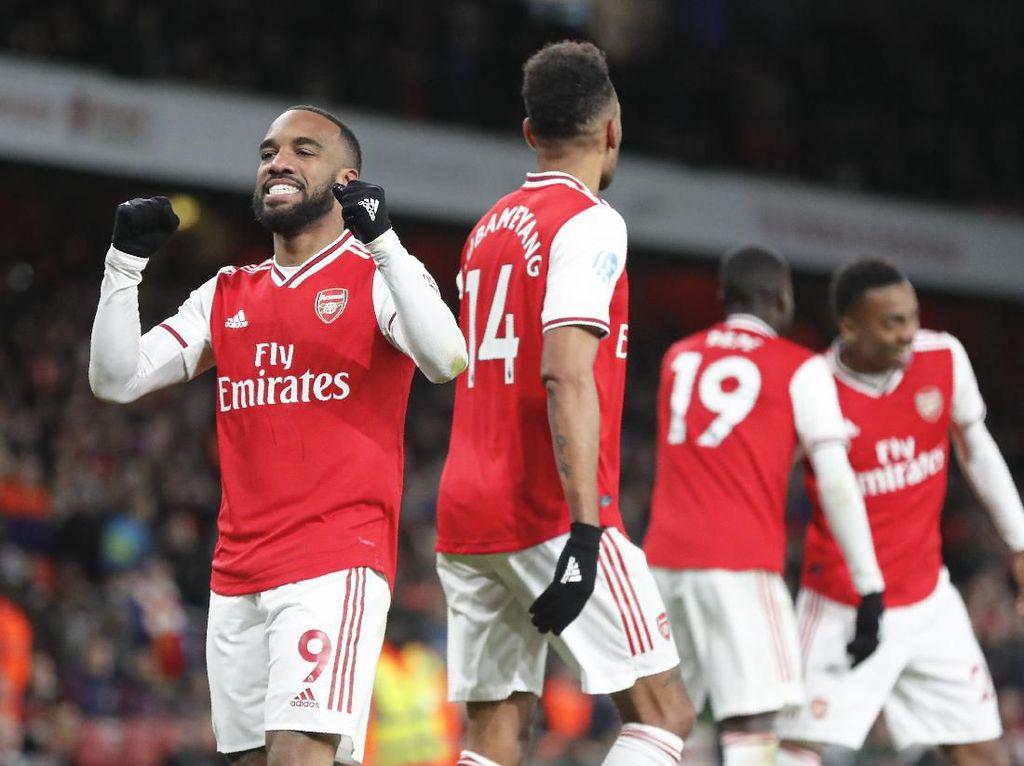 Lacazette Takkan Pergi Jika Arsenal Gagal Finis Empat Besar