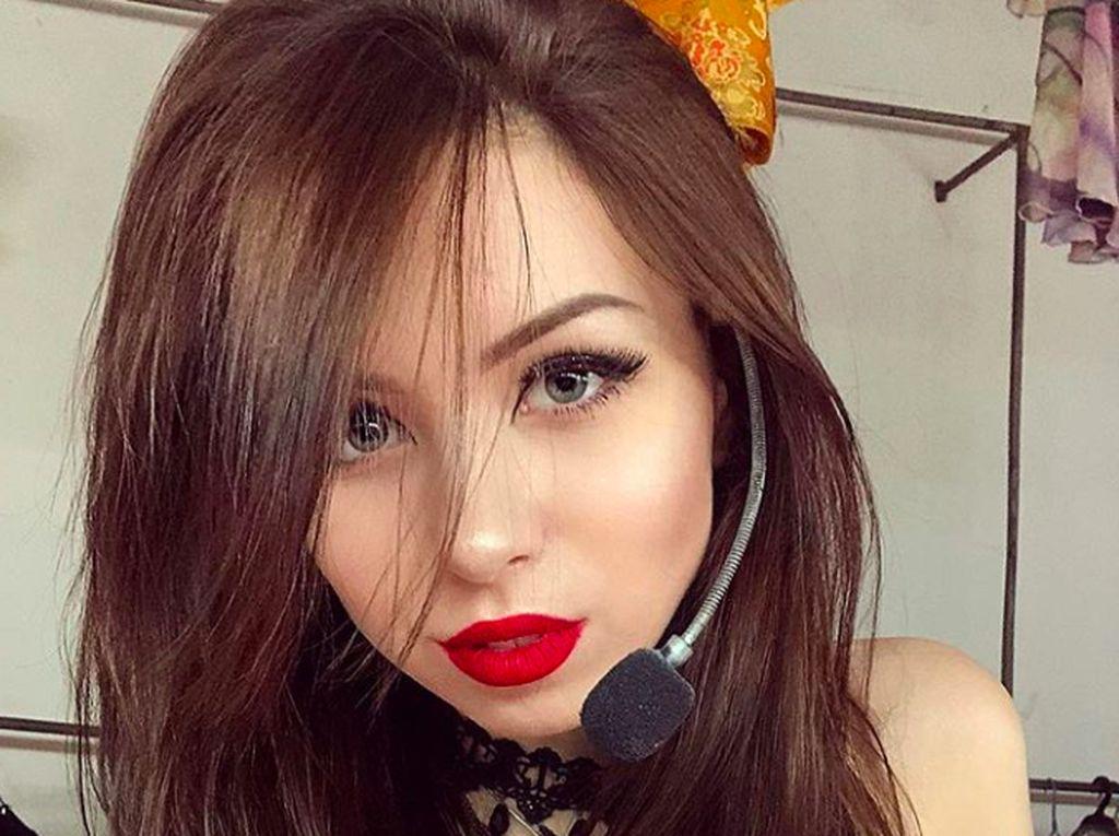 Instagrammer Cantik Ukraina Tolak Dievakuasi dari Wuhan