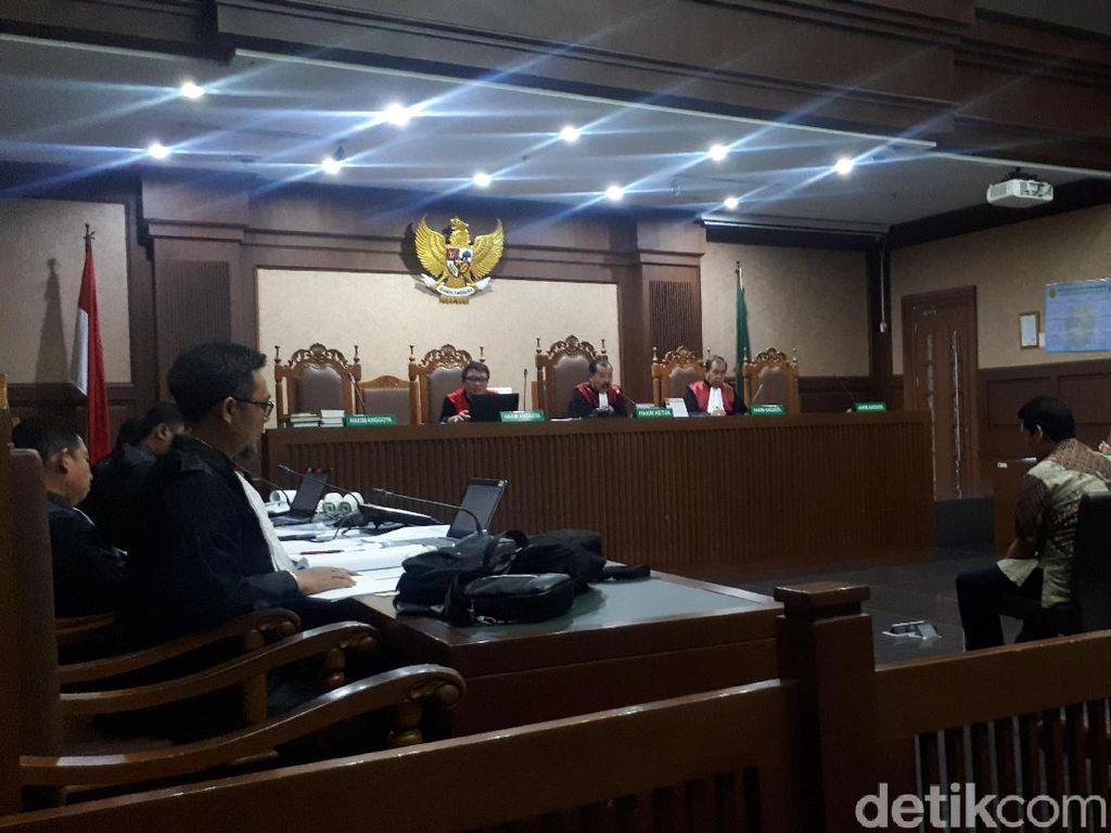 Hakim Tegur Saksi Ubah Keterangan Soal Penerimaan Uang Jadi Urusan Utang