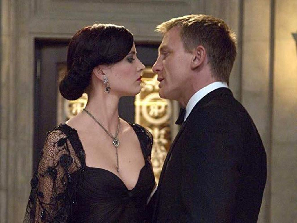 Wanita Cantik di Film James Bond Tak Hanya Jadi Objek Seksual