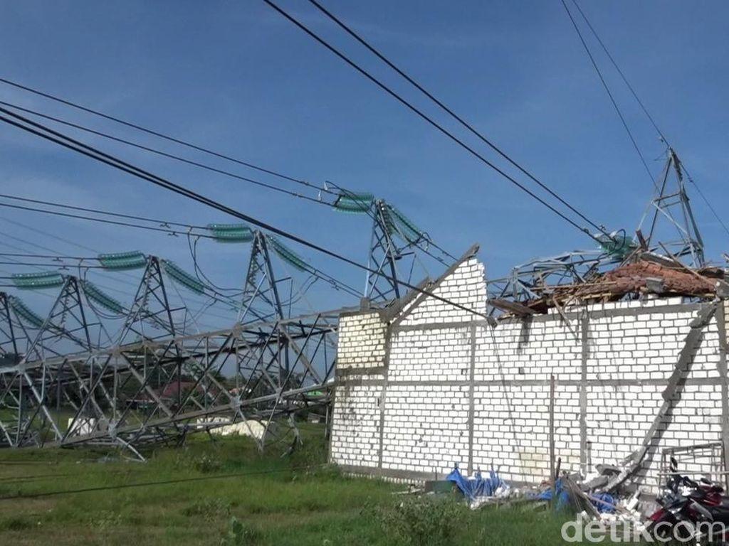 Puluhan Petugas Dikerahkan ke Lokasi Tower PLN Roboh di Rembang
