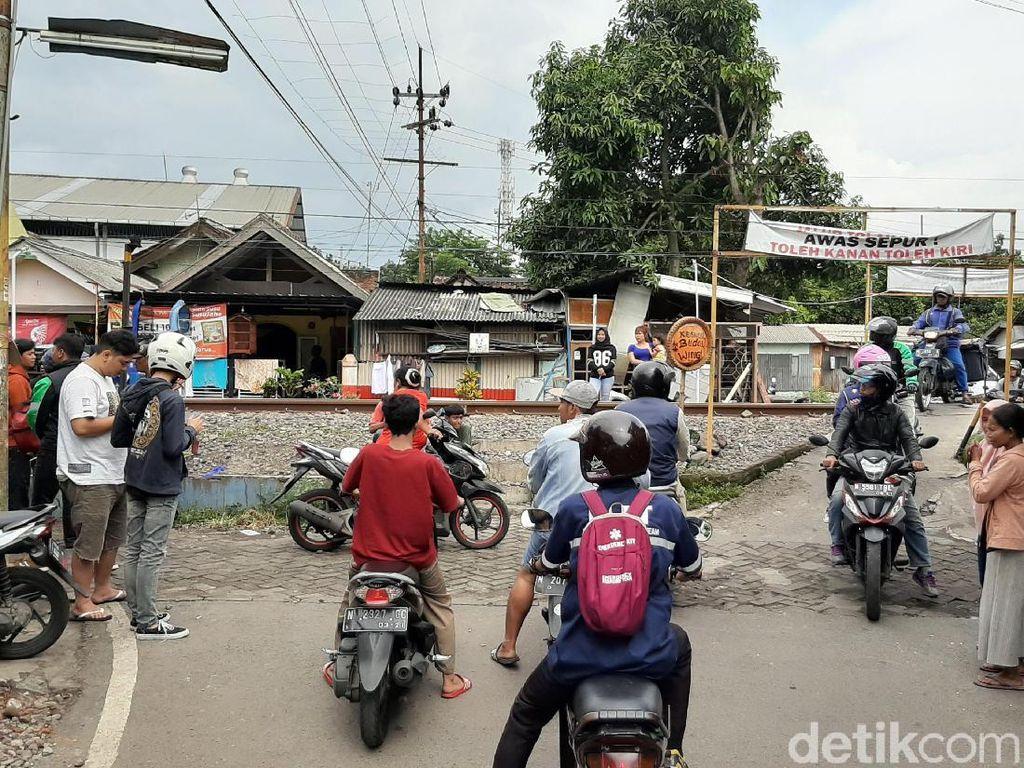 Kakak-Adik di Kota Malang Tewas Tertabrak KA Malioboro