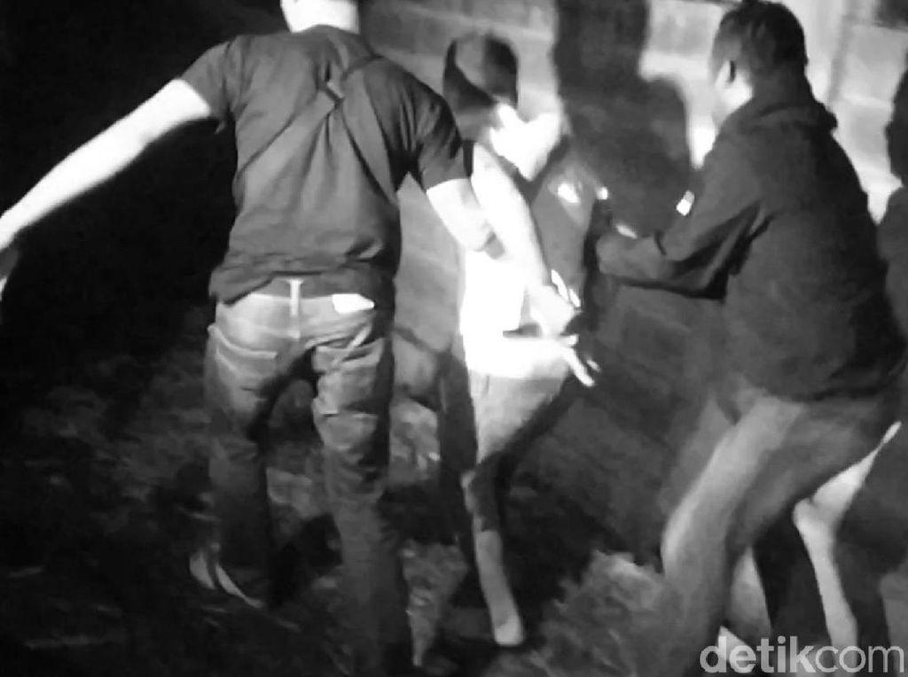Dor! Polisi Tembak Gembong Pencuri Motor di Garut
