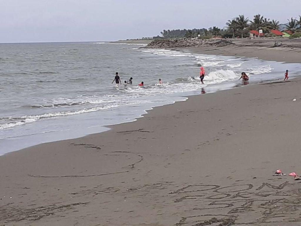 Pantai Syiah Kuala, Tempat Bersantai dan Wisata Religi di Banda Aceh