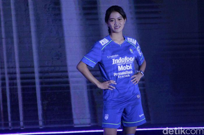 Persib Bandung meluncurkan tim dan jersey untuk mengarungi Shopee Liga 1 2020. Jersey utama masih dominan menggunakan warna biru.