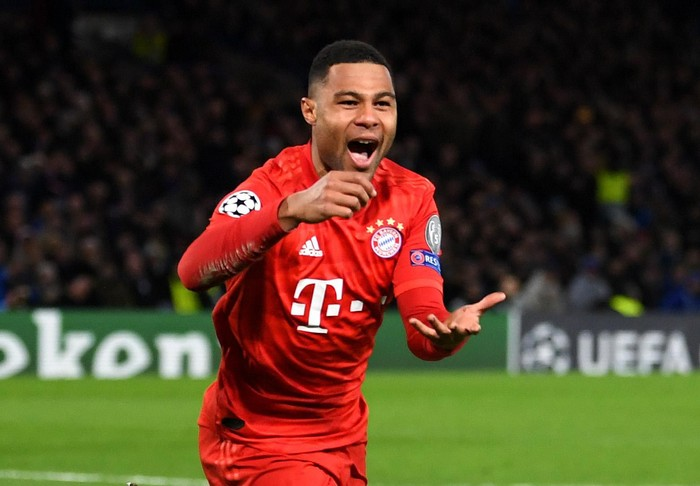 LONDON, ENGLAND - FEBRUARY 25: Serge Gnabry of Bayern Munich celebrates after scoring his teams first goal  during the UEFA Champions League round of 16 first leg match between Chelsea FC and FC Bayern Muenchen at Stamford Bridge on February 25, 2020 in London, United Kingdom. (Photo by Mike Hewitt/Getty Images)