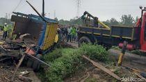 KA Hantam Truk di Klaten, Sopir Selamat Gegara Lompat dari Kemudi