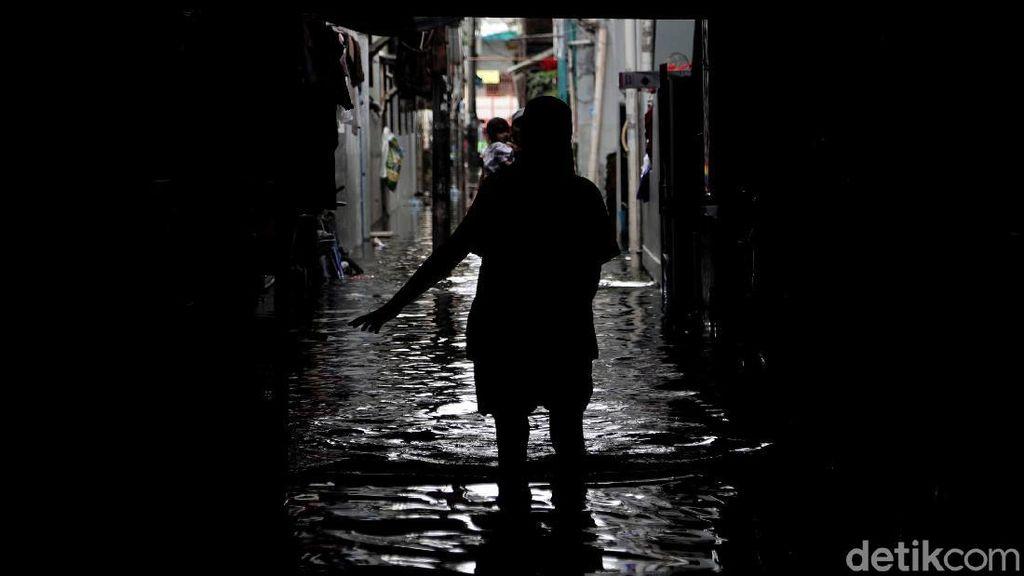 Nestapa Warga Teluk Gong yang Masih Dikepung Banjir