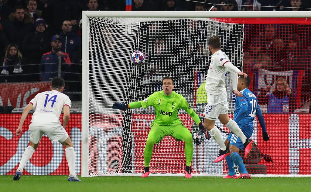 LYON, FRANCE - FEBRUARY 26: Lucas Tousart of Olympique Lyon scores his team's first goal during the UEFA Champions League round of 16 first leg match between Olympique Lyon and Juventus at Parc Olympique on February 26, 2020 in Lyon, France. (Photo by Catherine Ivill/Getty Images)