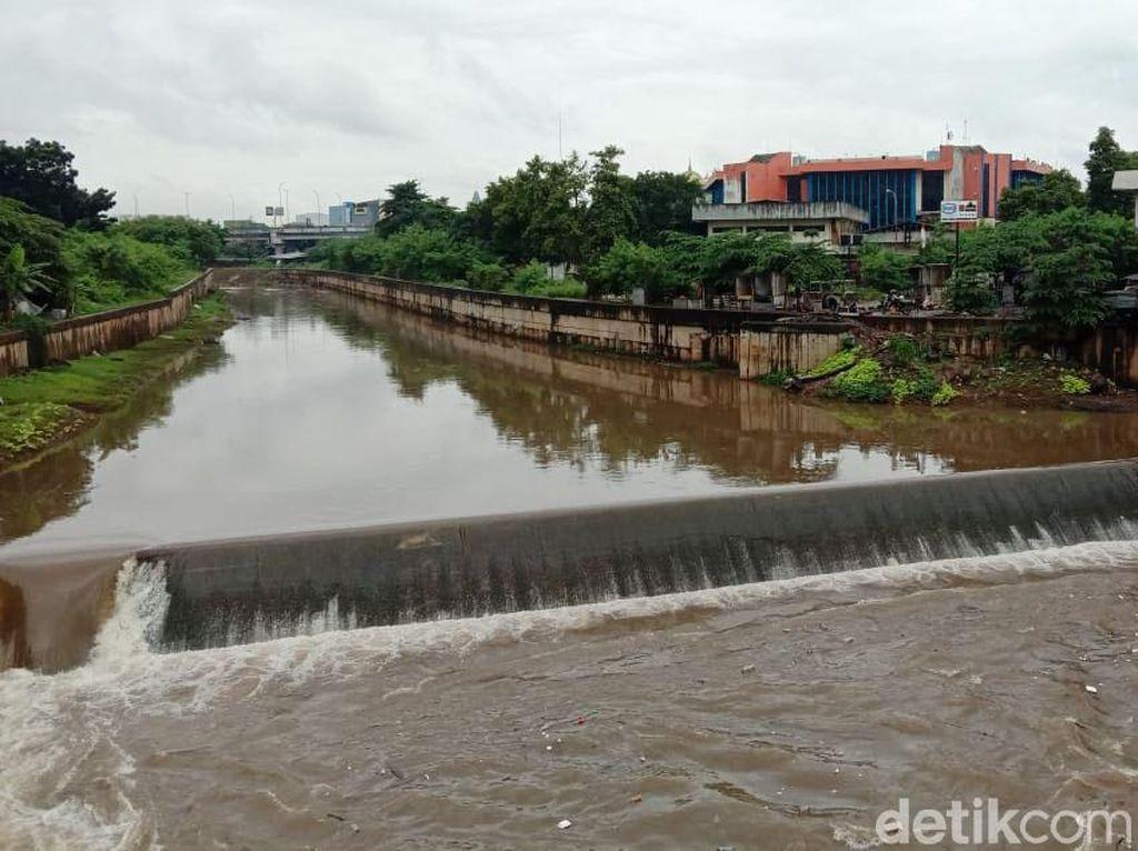 Nggak Heran Jakarta Sering Terendam, Proyek Antibanjirnya Mandek