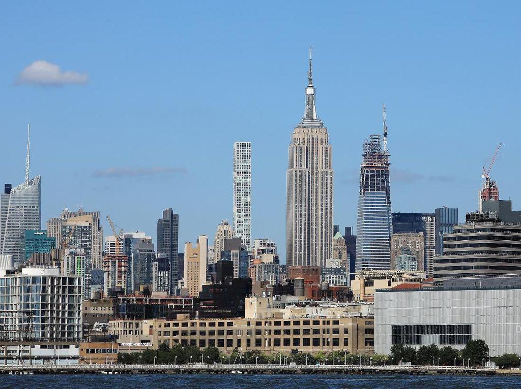 Gedung Ikonik New York Mulai Bersiap Sambut Wisatawan
