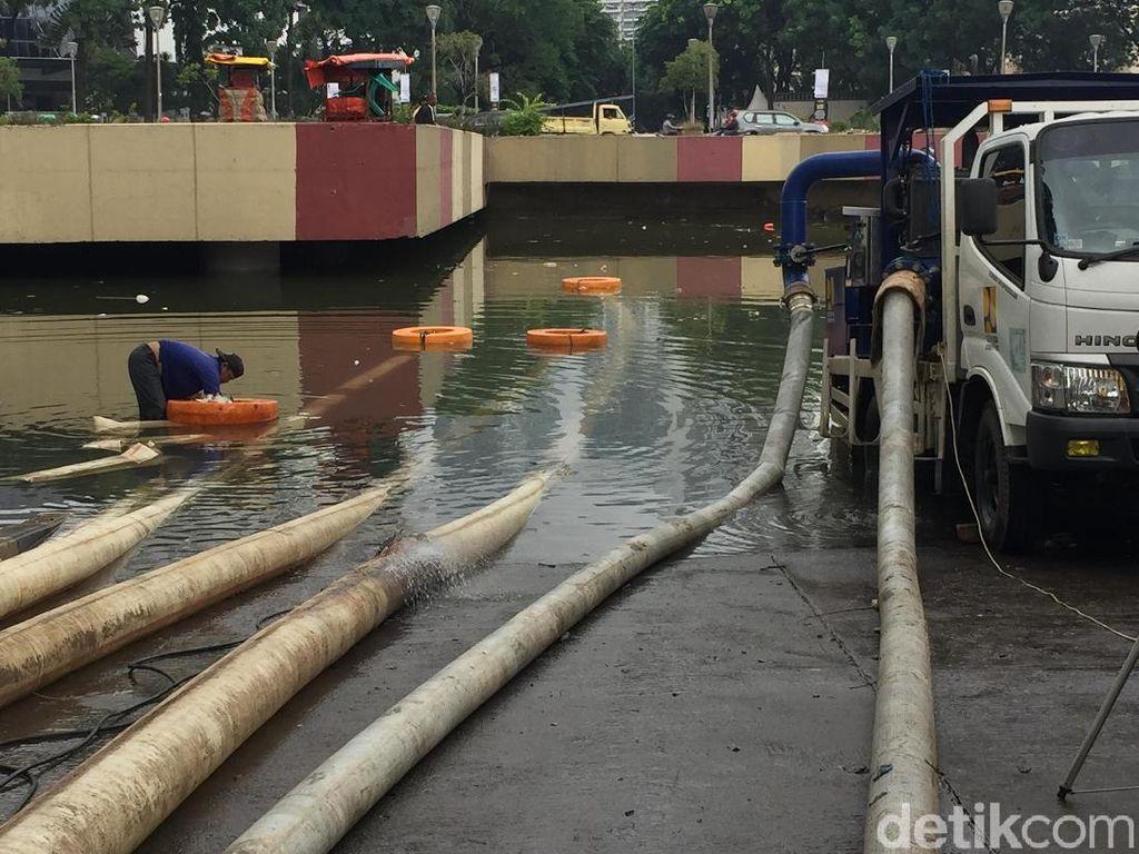 Tiga Hari Underpass Kemayoran Tak Bisa Dilintasi, Banjir Masih 4 Meter
