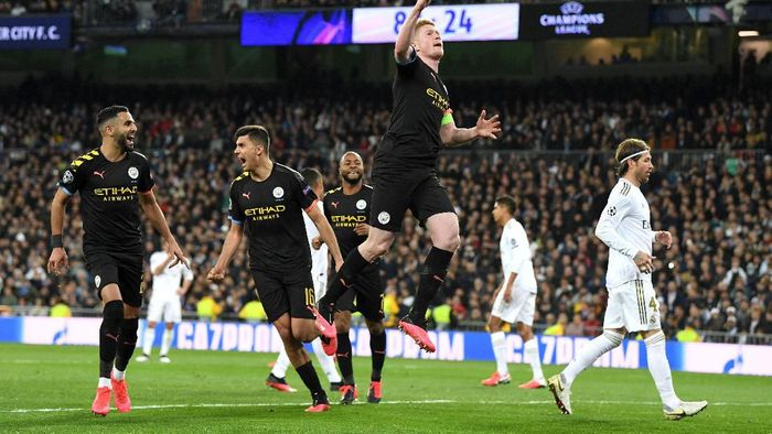 MADRID, SPAIN - FEBRUARY 26: Kevin De Bruyne of Manchester City celebrates after scoring his teams second goal during the UEFA Champions League round of 16 first leg match between Real Madrid and Manchester City at Bernabeu on February 26, 2020 in Madrid, Spain. (Photo by David Ramos/Getty Images)