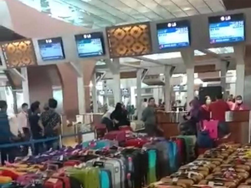Arab Saudi Setop Umrah, Pesangon PHK Karyawan Indosat
