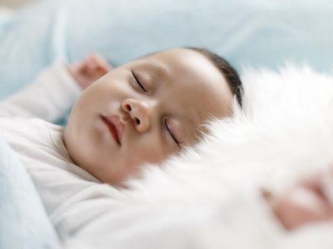 {SEO}10 Larangan pada Bayi Baru Lahir, Salah Satunya Pantang Pakai Bedak