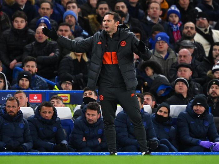 LONDON, ENGLAND - FEBRUARY 25: Frank Lampard, Manager of Chelsea reacts during the UEFA Champions League round of 16 first leg match between Chelsea FC and FC Bayern Muenchen at Stamford Bridge on February 25, 2020 in London, United Kingdom. (Photo by Clive Mason/Getty Images)