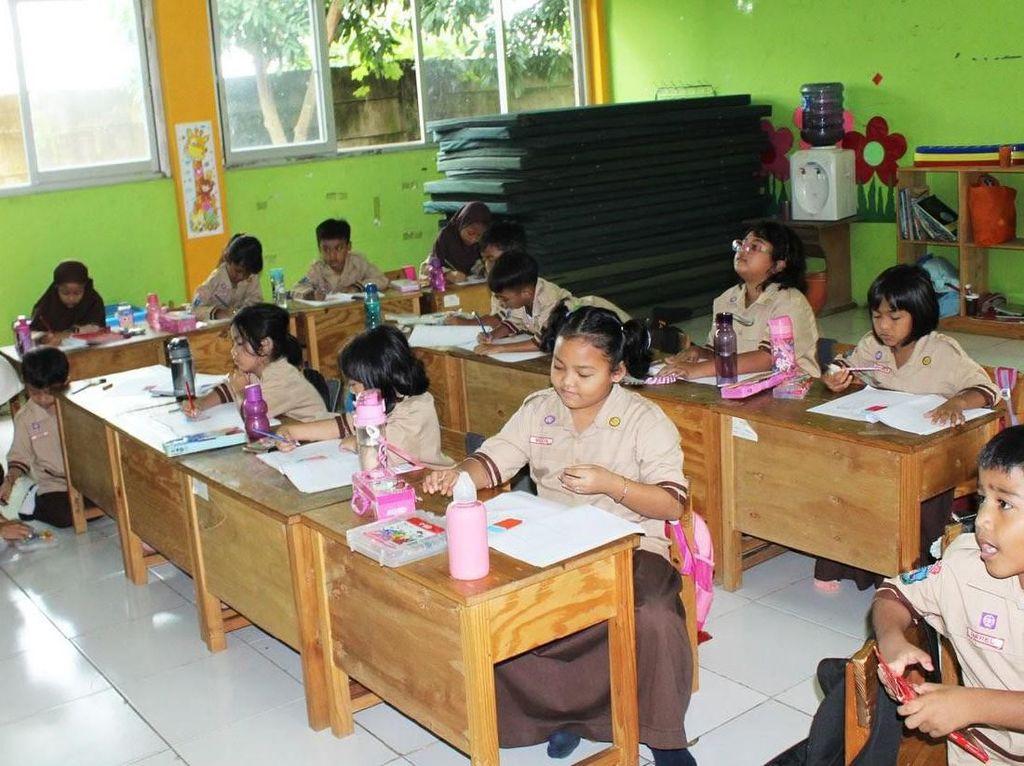 Belajar dan Bermain, Sekolah Hikari Tak Pakai Rangking