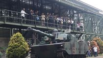 Filipina Kepincut Tank Harimau Made in Bandung