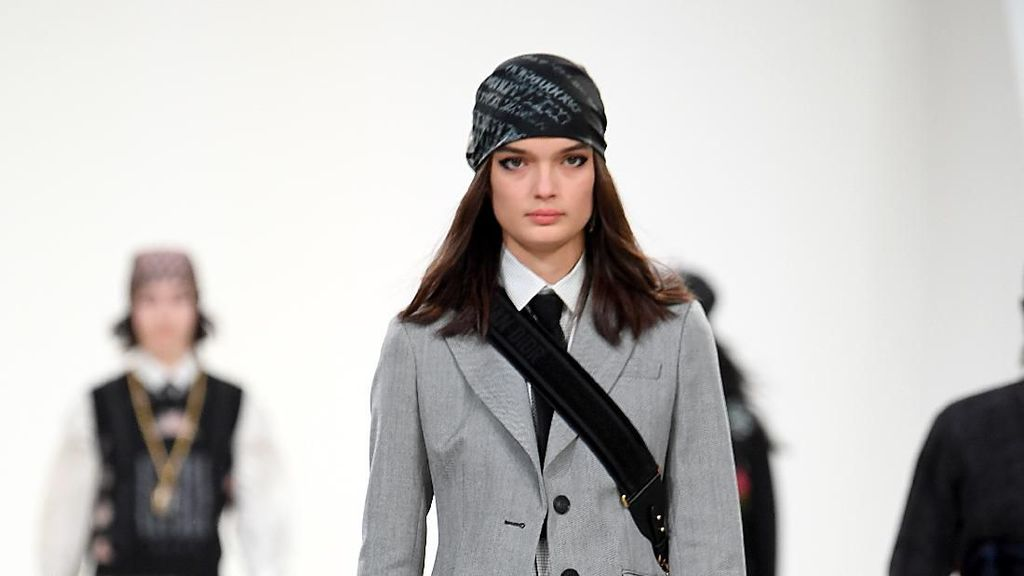 20 Koleksi Terbaru Christian Dior di Paris Fashion Week 2020