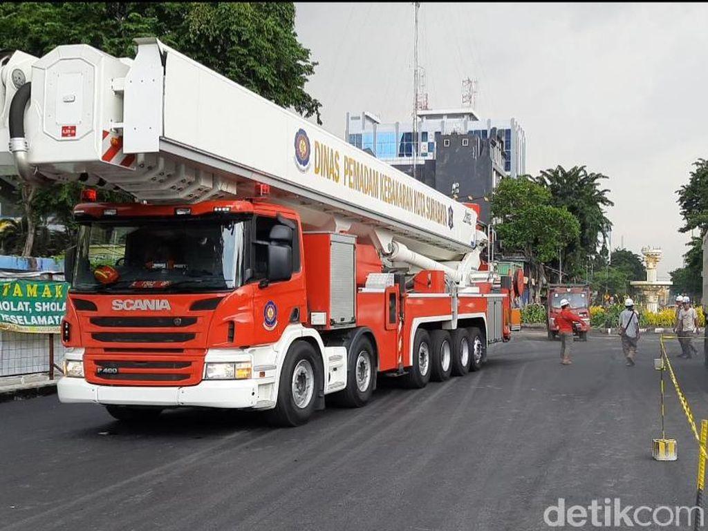 Separuh Jalan Yos Sudarso Surabaya Diuji Beban 90 Ton Sebelum Dibuka