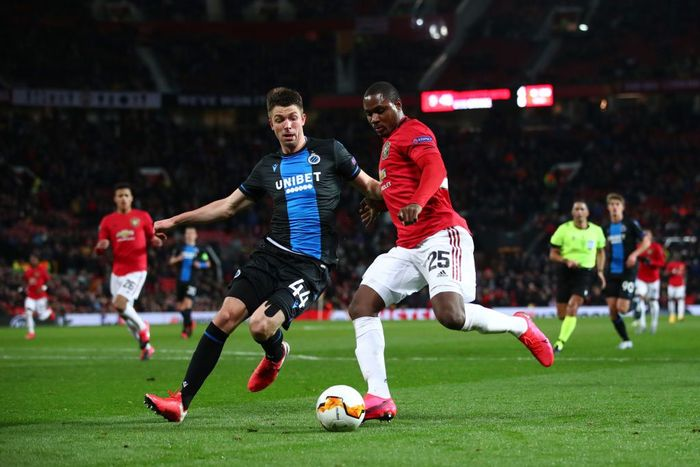 MANCHESTER, ENGLAND - FEBRUARY 27: Odion Ighalo of Manchester United battles for possession with Brandon Mechele of Club Brugge during the UEFA Europa League round of 32 second leg match between Manchester United and Club Brugge at Old Trafford on February 27, 2020 in Manchester, United Kingdom. (Photo by Clive Brunskill/Getty Images)