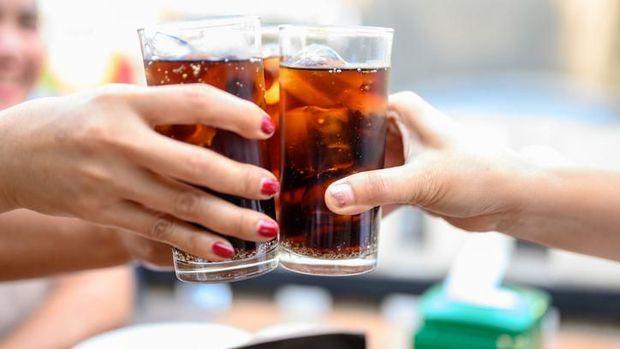 minuman soda kena virus corona