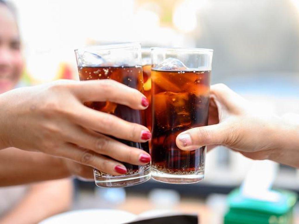 Hindari 5 Minuman Ini Sebelum Tes Antigen, Bisa Picu Hasil Positif Palsu!
