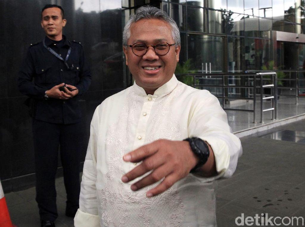 Ketua KPU Positif Corona di Tengah Tuntutan Penundaan Pilkada