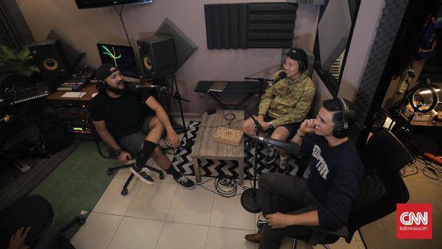 Mencari Payung Hukum Podcast di Indonesia