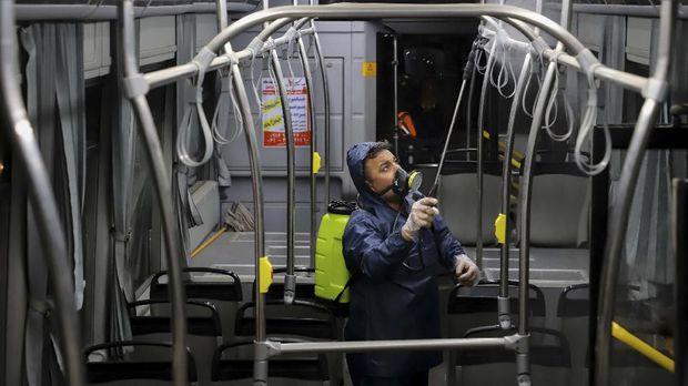 Korban Corona Terus Bertambah, Iran Tetap Tolak Bantuan AS