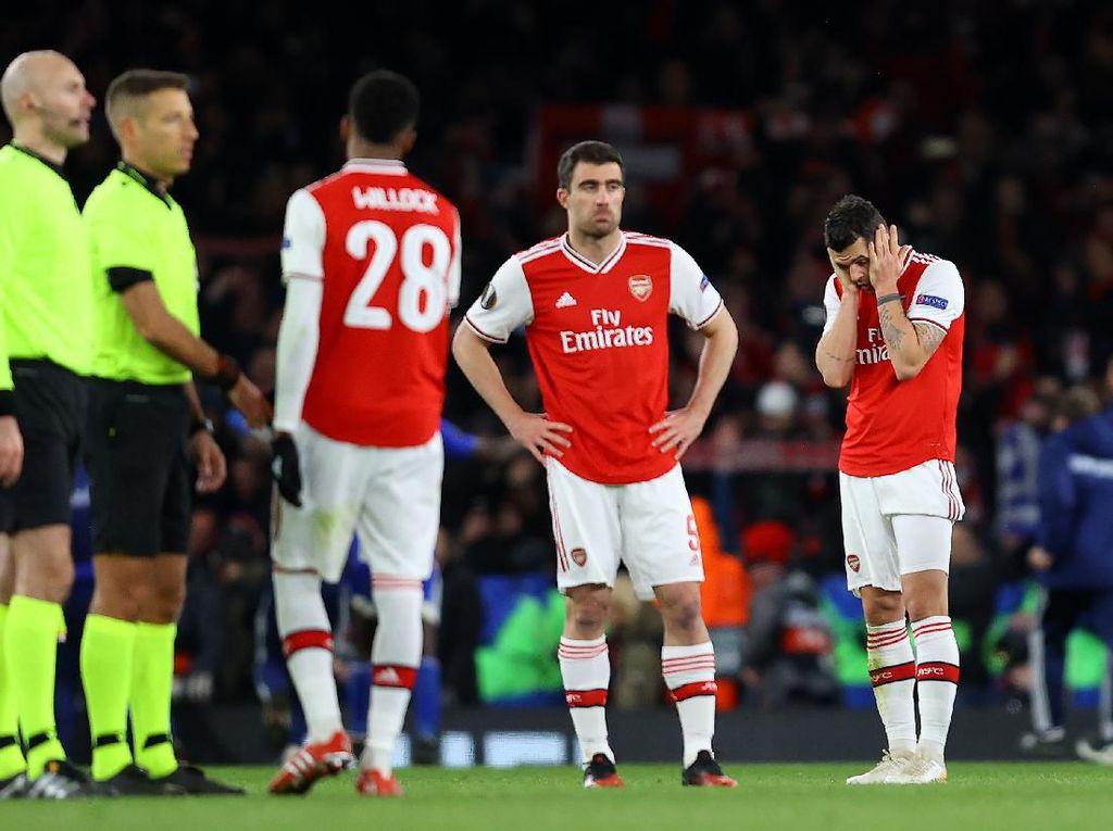 Benahi Mental, Arsenal