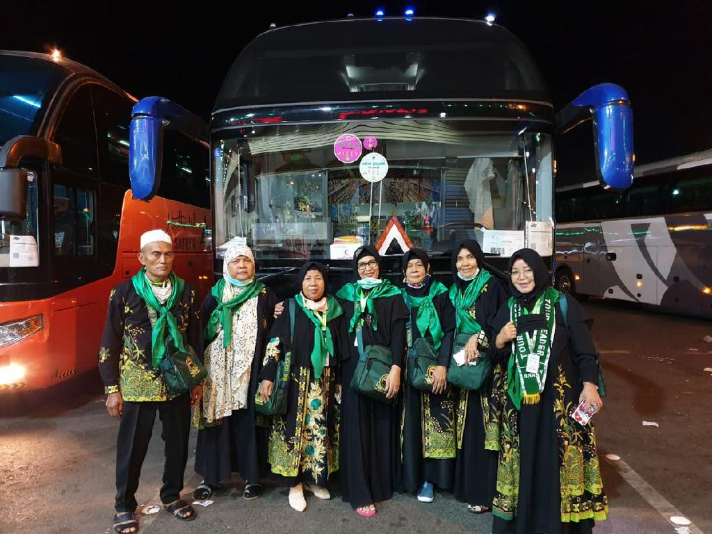 370 Jemaah Umroh Asal Palembang Tiba di Jeddah, Kini Perjalanan Menuju Madinah