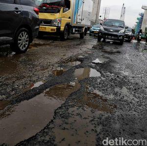 Habis Banjir Terbitlah Jalanan Berlubang
