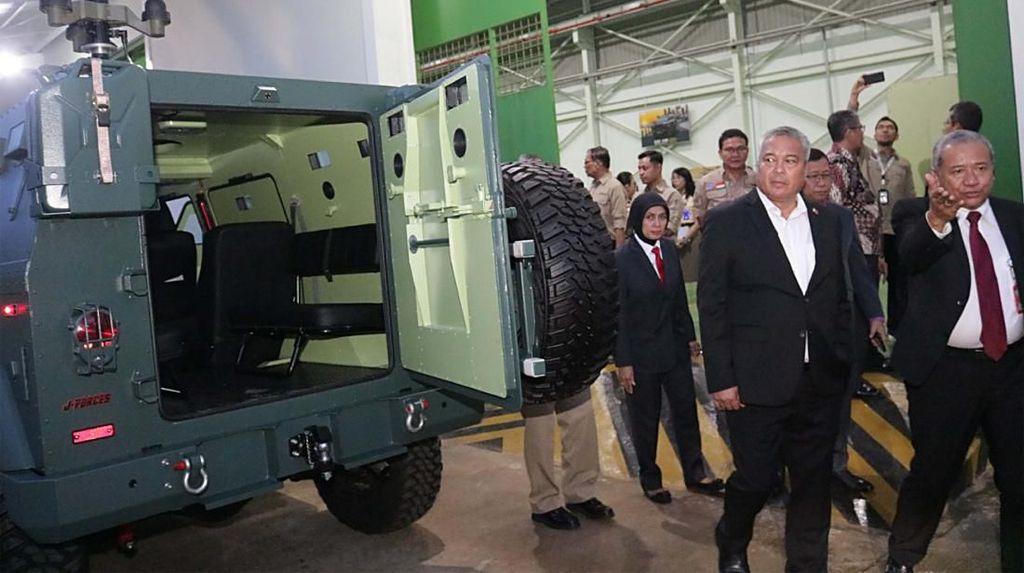 Wamen Pertahanan Filipina Kunjungi Fasilitas Industri Pertahanan RI
