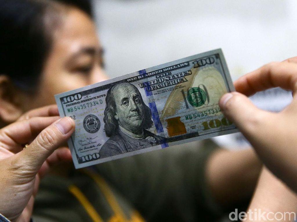 Dolar AS Tembus Rp 16.000 Bikin Heboh