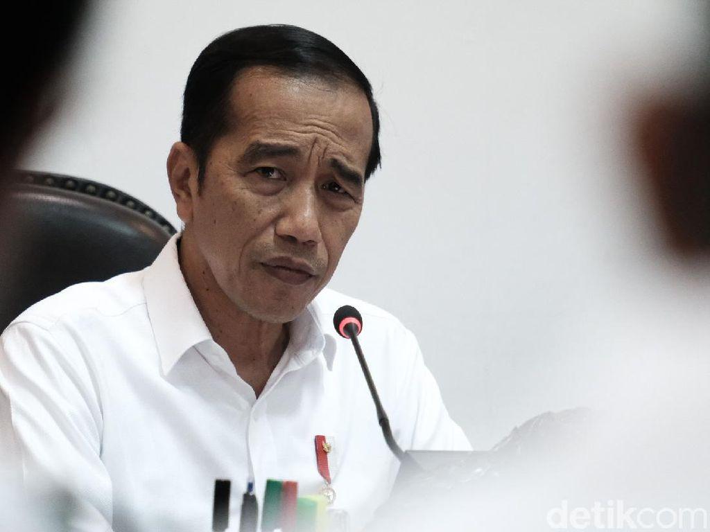 Jokowi Geram, Kirim Barang Jakarta-Padang Lebih Mahal dari ke Hong Kong