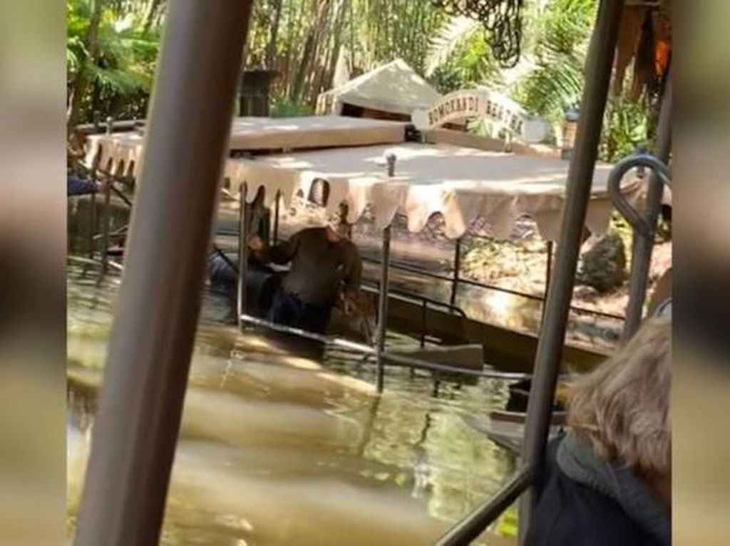 Lho, Perahu Milik Disney World Orlando AS Bisa Tenggelam