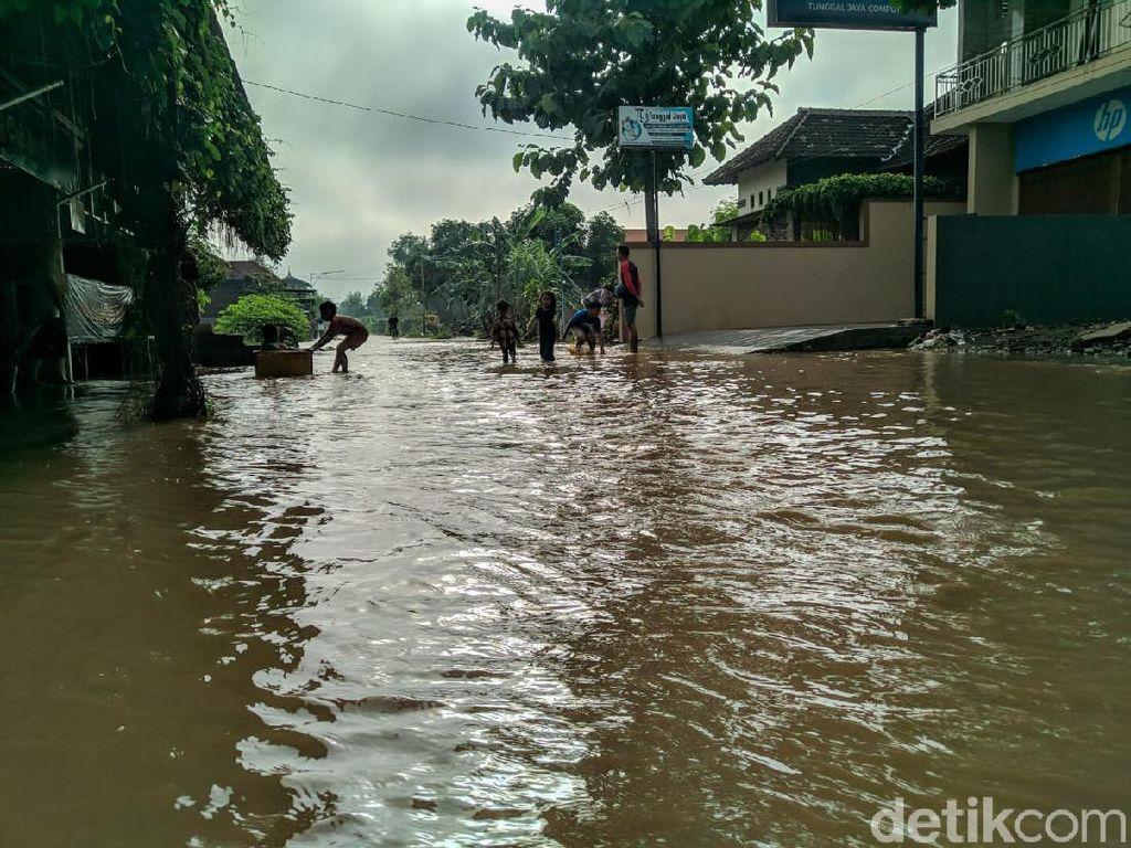 Warga Dua Kelurahan di Ponorogo Dilanda Banjir