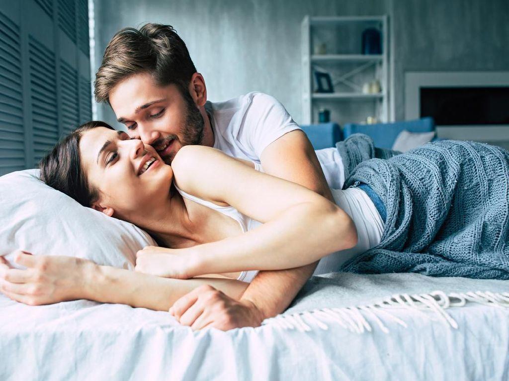 Pemanasan Sebelum Bercinta, 5 Cara Foreplay Ini Tak Disukai Wanita