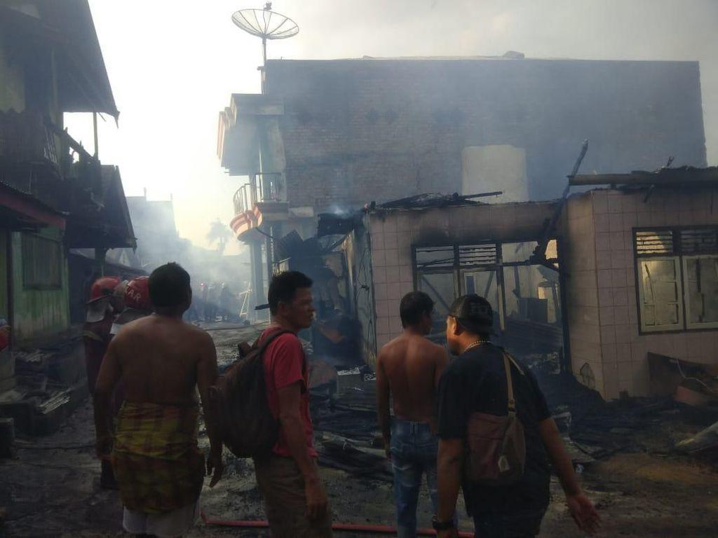 Kebakaran Hebat di Permukiman Eks Lokalisasi Jambi, 17 Rumah Terbakar
