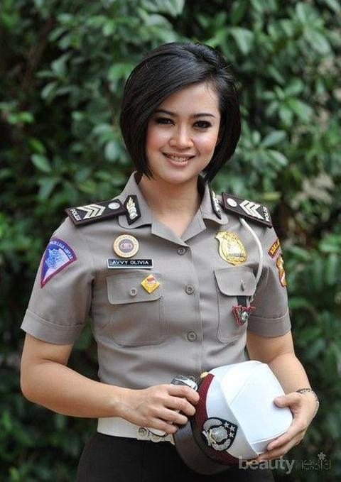 Model Rambut Pendek Ala Polwan Kiat Tampil Anggun Dan Fresh Untuk Semua Bentuk Wajah