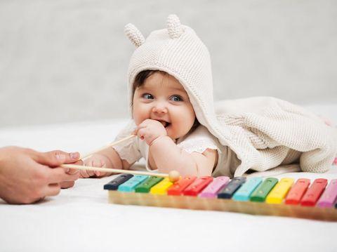 {SEO} Perkembangan Bayi 3 Bulan dan Hal yang Wajib Dikhawatirkan Bunda