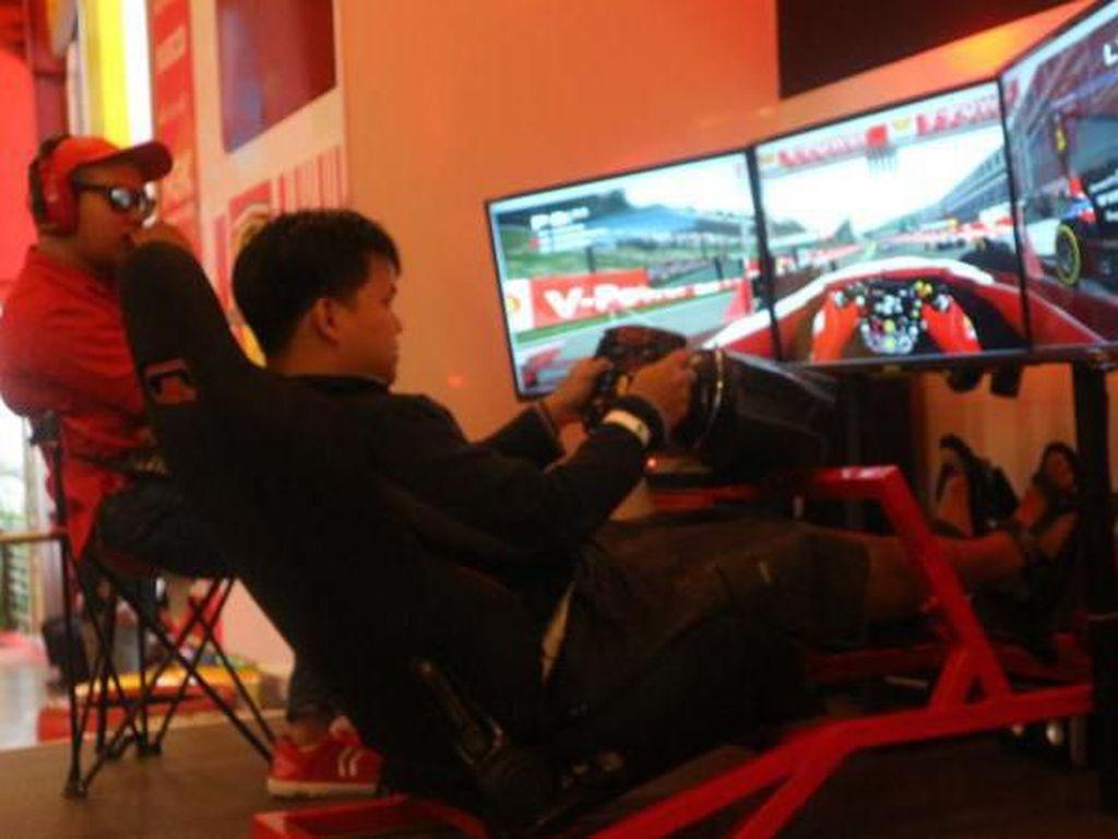 Foto : Sensasi Jadi Pembalap F1 di Museum Angkut