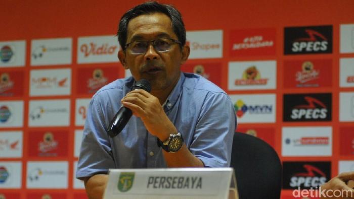 Pelatih Persebaya Aji Santoso usai menghadapi Persik Kediri, Sabtu (29/3/2020).