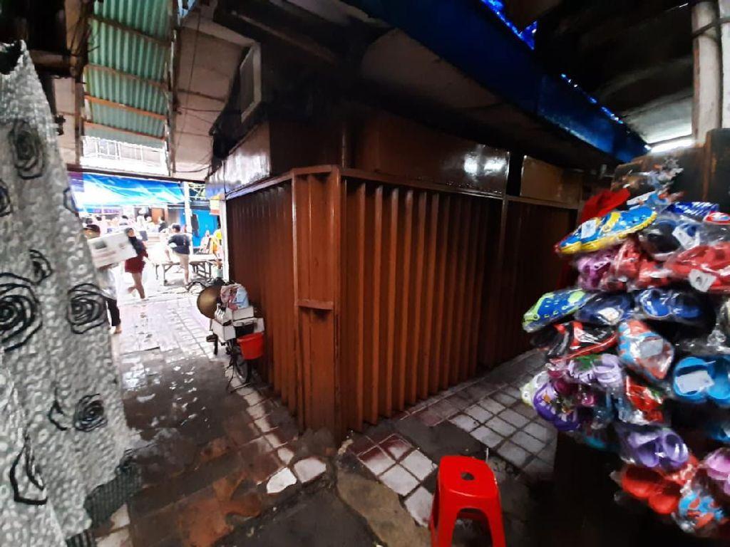 Garis Polisi Toko Emas Dirampok Pria Bersenpi di Tamansari Jakbar Dicopot