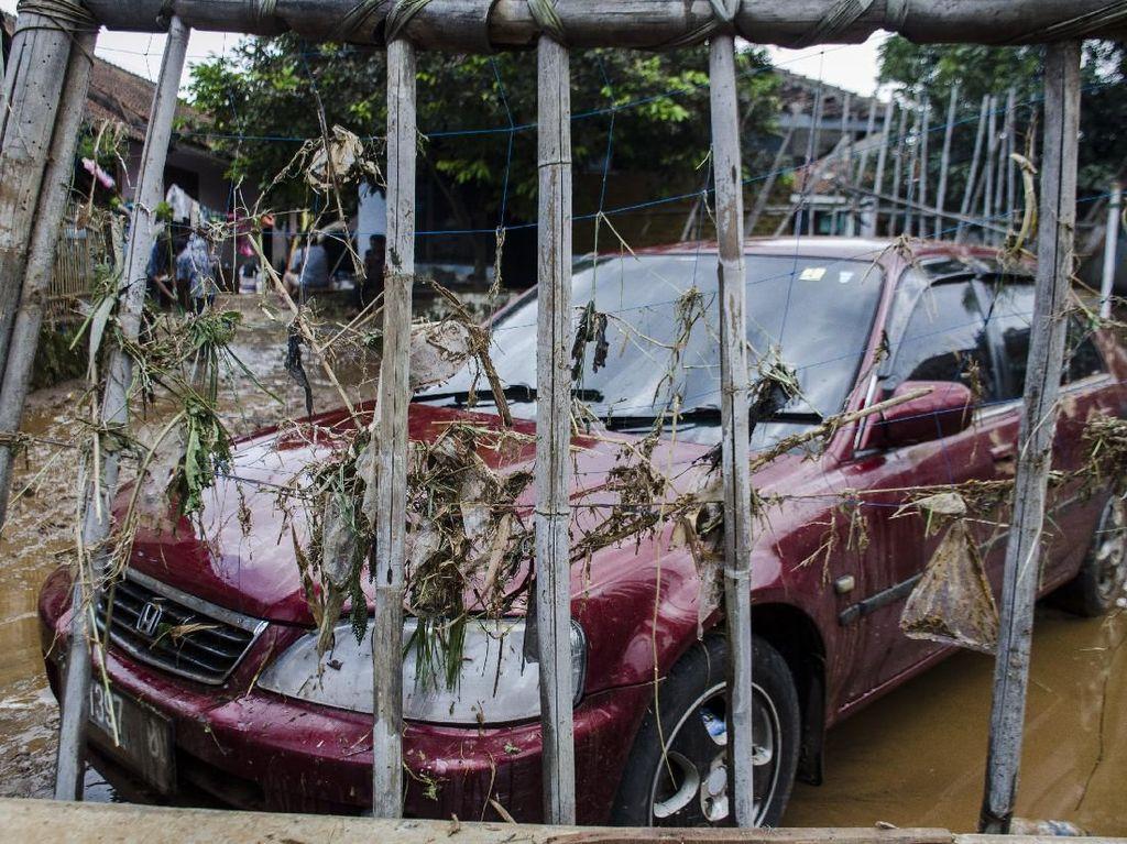 Foto-foto Dampak Banjir Bandang di Jatinangor Sumedang